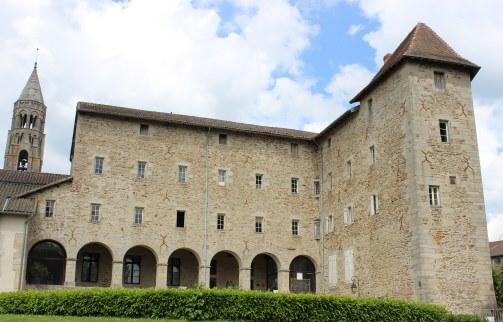 Ancien couvent, musée Gay Lussac et Foyer Rural Centre Social à Saint Léonard de Noblat en Limousin