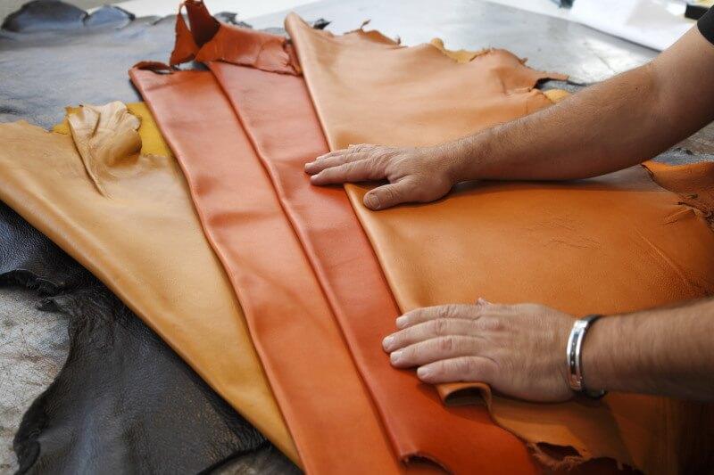 Travail du cuir et de la ganterie