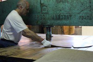 fabrication du cuir des chaussures Weston