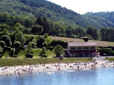 Camping de Saint Martin Terressus - Monts et Barrages en Limousin - Baignade surveillée en été